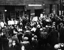 Global economic crisis: Unemployed demonstrators in Chicago, 1931