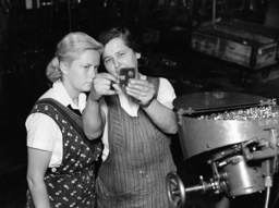 Female workers in a munitions factory, 1941