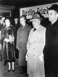 R.Ley u. Herzog v. Windsor 1937 i.Berlin - R.Ley & Duke of Windsor / Berlin / 1937 -