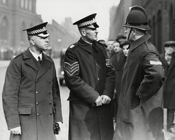 Inspector Strath (l) And Sergeant Sloan (r) Of The Lockerbie Police During The Dr Buck Ruxton Trial For The Ravine Murders. Box 651 2407121522 A.jpg.