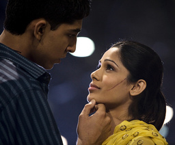 SLUMDOG MILLIONAIRE, from left: Dev Patel, Freida Pinto, 2008. ©Fox Searchlight/courtesy Everett Col
