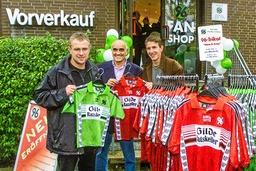 Hannover 96 Fan Shop Eröffnung mit Trainer Ralf Rangnick Martin Kind und Daniel Stendel am 24 10 200