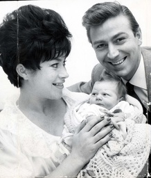 Des O'connor And Wife Gillian Vaughan With Daughter Tracy Jane At St Mary's Hospital Paddington.
