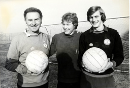 Harry Gregg (left) The Manchester United Goalkeeper Who Survived The Munich Air Crash In February 1958. He Is Pictured With Manchester United Goalkeepers Stephen Pears (centre) And Paddy Roche.