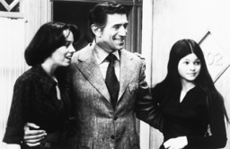 ONE DAY AT A TIME, from left: Mackenzie Phillips, Joseph Campanella, Valerie Bertinelli, 1975-84.