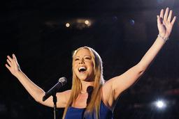 MARIAH CAREY SINGS NATIONAL ANTHEM AT SUPER BOWL