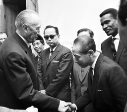 Adenauer receives Christian union leaders from overseas