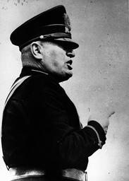 Dicator Benito Mussolini