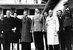 Schmidt, Duke of Windsor, Hitler, Ley at the Berghof