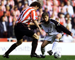 SUNDERLAND DEFENDER VARGA CLOSES DOWN MANCHESTER UNITED STRIKER SOLSJAER DURING THEIR ENGLISH PREMIER LEAGUE MATCH AT THE STADIUM OF LIGHT