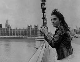American Rock Star Alice Cooper Taking A Picture From Westminster Bridge. Box 760 830051710 A.jpg.