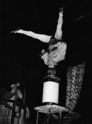 Akrobat Jackie London 1950 / Foto - Acrobat Jackie / London 1950 / Photo -