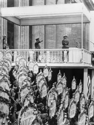 Hitler und Göring ehren Legion Condor - Hitler & Göring Honour Condor Legion/'39 - Hitler+Goering honorant la légion Condor