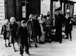 Post-war era - German children arriving from Jugoslavia 1950