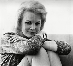 Carroll Baker Arrives Into London To Film Her First British Film