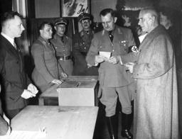 Wilhelm Frick votes, 1938