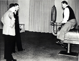 Hitler besucht Göring in Carinhall / Foto 1937 - -