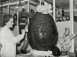 80lb Easter Egg At The Marble Arch Corner House Of J.lyons And Co It Dwarfs The 3lb Egg Next To It.