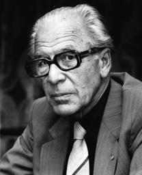 Sven Aspling; f.d. socialdemokratiskt statsråd.