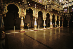 Mysore, Palast Amba Vilas, Audienzsaal / Foto - Mysore, Amba Vilas Palace, Audience Hall / Photo -
