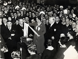 Mr Harry Selfridge (gordon Selfridge Died 1947) Seen Being Presented With A Caskett And Scroll By Employees To Mark The 25th Birthday Of Selfridges. Miss Harvey