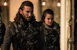 THE 100, (from left): Zachary McGowan, Rhiannon Fish, 'Stealing Fire', (Season 3, ep. 309, aired