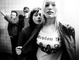 Revlon 9, art-rockband.