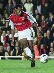 ARSENAL'S HENRY SCORES THE TEAM'S THIRD GOAL AGAINST REAL MALLORCA AT HIGHBURY