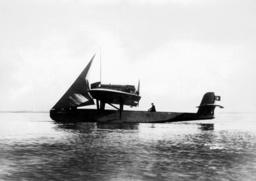 Sarmento de Beiras' Dornier 'Whale' with auxiliary sail, 1927