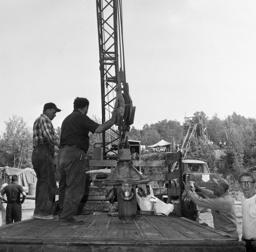 unload 26-inch reamer