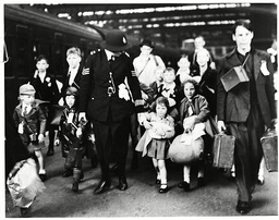 World War Ii A Police Escort For These Evacuated Children On Waterloo Station To Catch A Train To The West Country.