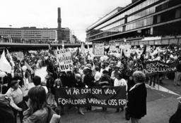 DEMONSTRATION 1982