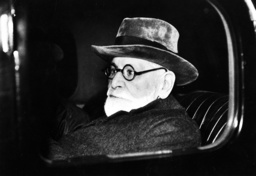Sigmund Freud in the car, 1938