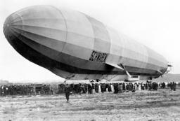 Zeppelin Airship 'Schwaben' (LZ 10) in Potsdam, 1911