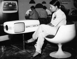 Fernsehgerät mit Aufzeichnungsapp. 1969 - Television set w. recording device 1969 -