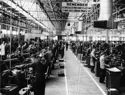Shadow Aircraft Factory Production At The Humber Factory Of The Rootes Group In Coventry. Pictured: The Main Machine Shop. . Rexscanpix.
