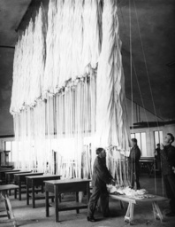 Packing chamber in the Parachute school at Stendal, 1938