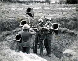 War-britain-army Home Defence Sound Locators With The Searchlight Unti ''somewhere In The North'' Men At Work On A Sound Locator.