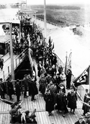 Inauguration of the hydraulic lift of the Oder-Havel canal, 1934