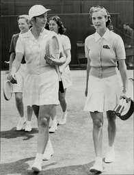 Kay Stammers With Fellow Tennis Player Alice Marble Wimbledon 1939.